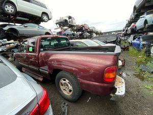 Chevy silverado 2001 only parts for Sale in Miami Gardens, FL