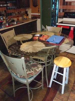 Kitchen table glass pineapple design in table and chairs for Sale in Columbus, OH