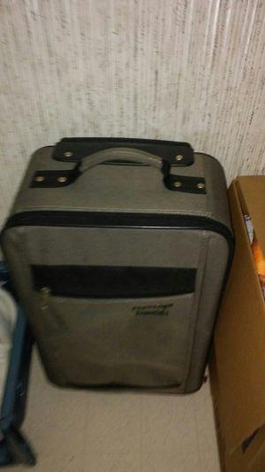 Suit case for Sale in Vidalia, GA