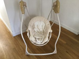 Swing baby and baby bath for Sale in New York, NY
