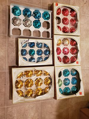 Lot of 56 vintage shiny Brite Christmas ball glass ornaments boxes for Sale in Martinsburg, WV