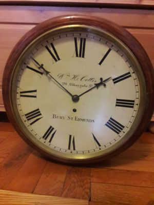 Antique Single Fusee English round wall clock, time only, project clock,Very Rear piece for Sale in Brooklyn, NY