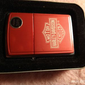 Harley Davidson Zippo Lighter (Pink) for Sale in Chicago, IL