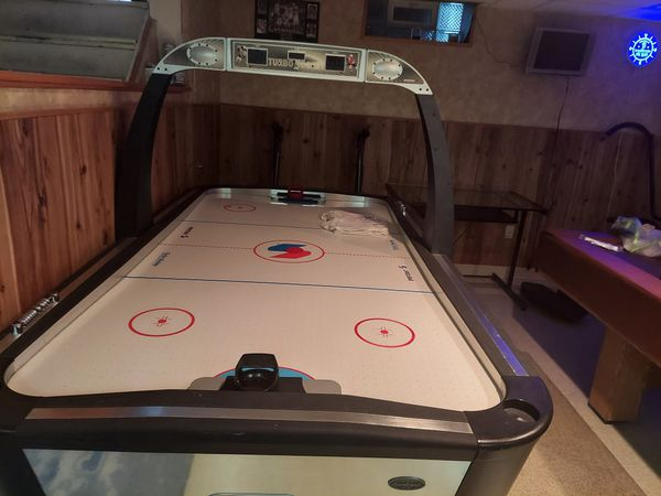 Air Hockey Table Puck && Paddles included