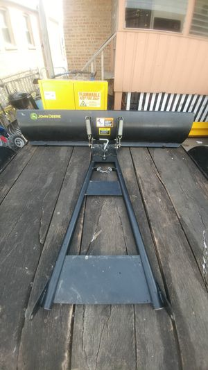 JOHN DEERE SNOW PLOW BLADE TRACTOR for Sale in Chicago, IL