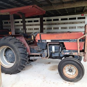 Old Case Tractor for Sale in Lake Wales, FL