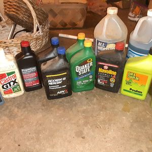 FREE motor Oil, Transmission Fluid, Windsheild Wiper Fluid Etc. for Sale in Marietta, GA