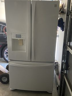 FREE- Kenmore Elite Refrigerator Not Working for Sale in Norco,  CA