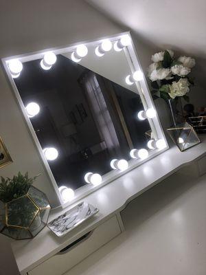 Makeup vanity Mirror with lights for Sale in Montclair, NJ