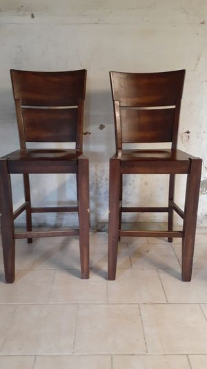 2 high chairs for a bar for Sale in Adelphi, MD