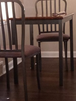Dining couple table for Sale in Milwaukee, WI