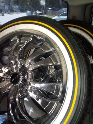 18 inch chrome rims and vouges rims were brand new and so we're the vouges for Sale in Austin, TX