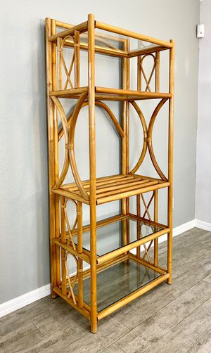 """Vintage mid century modern rattan etagere w/ glass shelves. W 30"""" x D 18"""" x H 72"""" for Sale in Cape Coral, FL"""