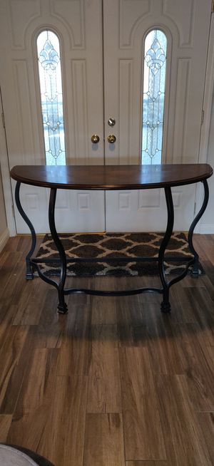 Accent Table for Sale in Bakersfield, CA