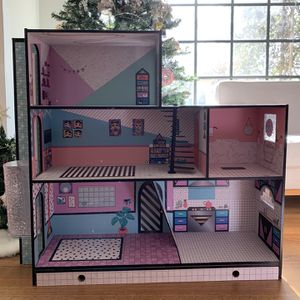 LOL Surprise OMG Wood Doll House L.O.L. for Sale in Temple City, CA