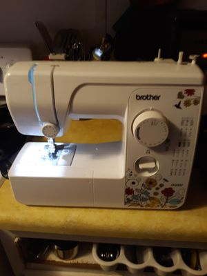 Brother jx2517 Sewing Machine for Sale in Chesapeake, VA