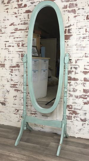 Stand alone full size mirror for Sale in Canby, OR
