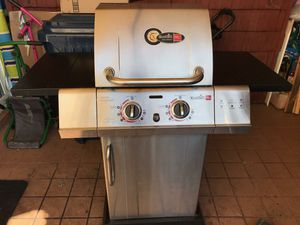 Grill: Char-Broil Professional Series TRU-Infrared for Sale in HUNTINGTN BCH, CA