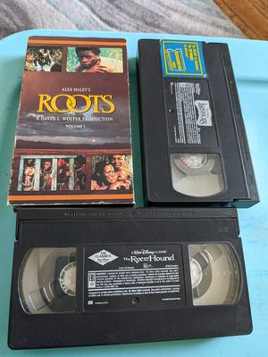 Roots, aristocrats ,fox and the hound vhs for Sale in Oakland Park, FL