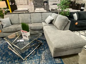 Transitional Sectional Sofa, Light Grey for Sale in Santa Fe Springs, CA