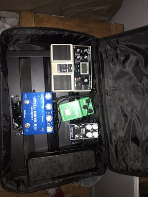 Guitar pedals w/bag for Sale in Glendale, AZ