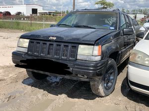 1997 Jeep Grand Cherokee Limited 4.0L For Parts for Sale in Houston, TX
