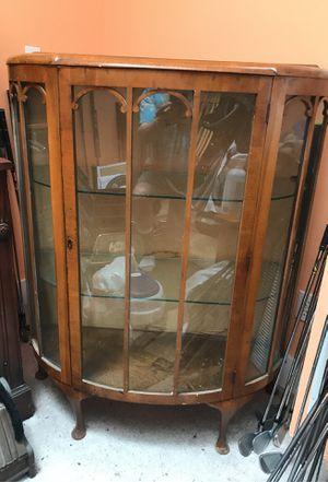 Antique. Curio cabinet for Sale in Tacoma, WA