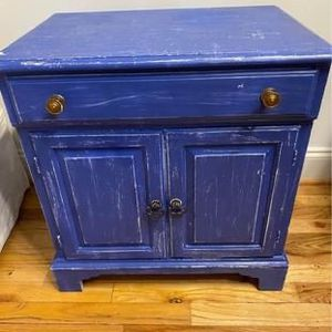 Antique Side Table/End Table/Nightstand for Sale in Washington, DC