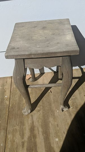 Small antique table for Sale in Trinity, NC