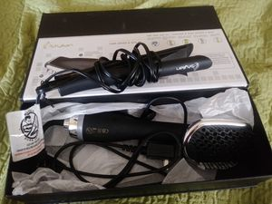 hair straightener and hair dryer brush. Plancha y cepillo secador for Sale in Queens, NY