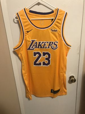 Lebron James #23 yellow Los Angeles lakers jersey for Sale in Los Angeles, CA