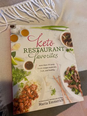 Keto recipes book! Never used! Or read.... for Sale in Stickney, IL