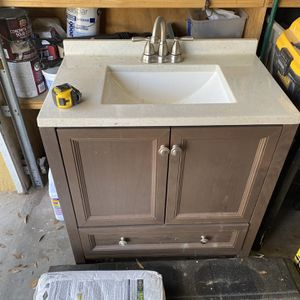 "30"" Vanity for Sale in Tampa, FL"