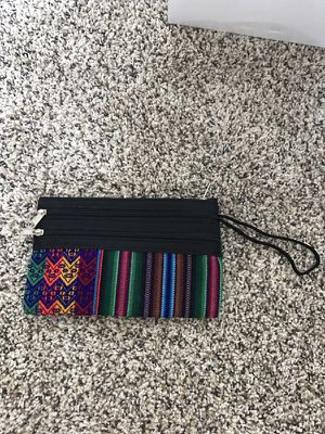 Wristlet. Gorgeous colors and details for Sale in Daly City, CA