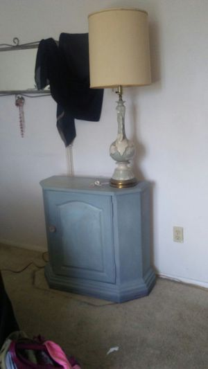 Stiffel lamp shade and vintage lamp for Sale in Cleveland, OH