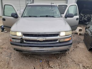2005 chevy suburban (PARTING OUT) for Sale in Dallas, TX