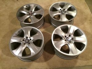Mercedes GL wheels with center caps and TPMS sensors for Sale in Lutz, FL