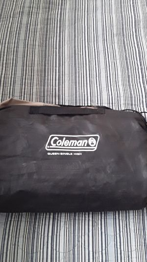 Coleman deflateble mattress. Queen-single high for Sale in Lake Stevens, WA