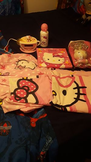 COMPLETE Hello Kitty bed and Bath set for Sale in St. Louis, MO