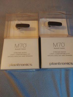 2. M70 plantronics. 11 horas de bateria Nuevos 80 mejor oferta for Sale in Meriden, CT