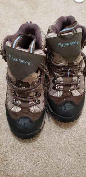 Bearpaw steeltoe hiking boots - size 6 for Sale in Redmond, WA