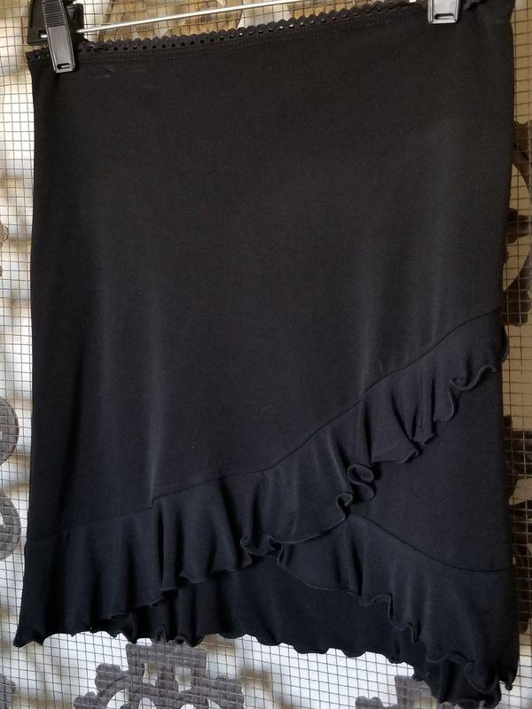 Black ruffle hem mini skirt