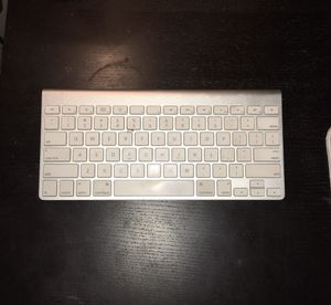 Wireless Apple Keyboard and Mouse for Sale in Hillsboro, OR