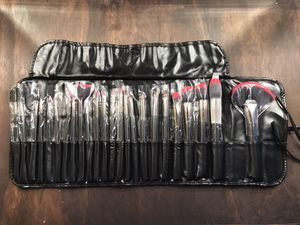 24 piece Makeup Brush Set for Sale in Atlanta, GA