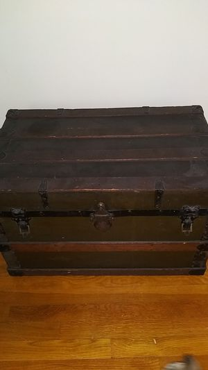 Old Vintage Chest..Trunk..Buffalo for Sale in Euclid, OH