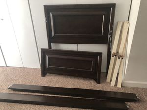 Twin size bed for Sale in Miami, FL