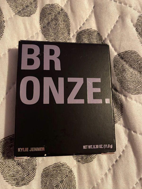 Kylie bronzer