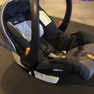 Chicco Key Fit 30 Infant Car Seat / Carrier / 2 Bases for Sale in Pittsburgh, PA