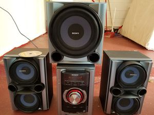 270 watts Sony stereo system with 3 speakers. for Sale in Orlando, FL