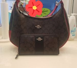 Authentic coach purse and wallet for Sale in Victorville, CA